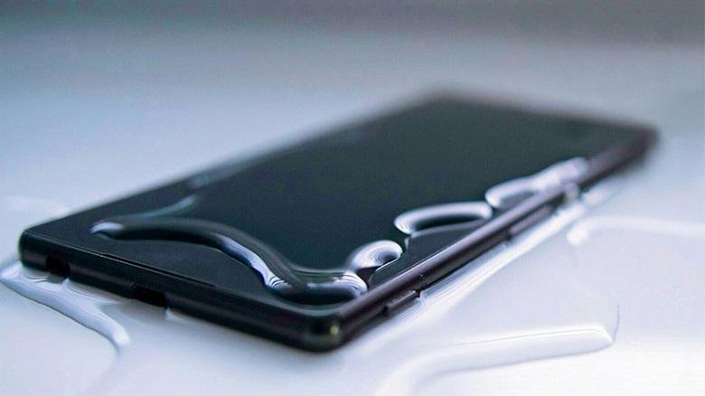 Smartphone recouvert d'eau